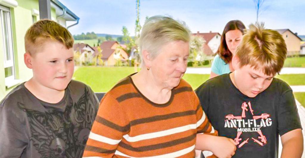 Besuch-im-Pflegeheim-Rhoenblick-arm