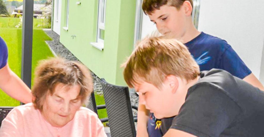 Besuch-im-Pflegeheim-Rhoenblick-sorege